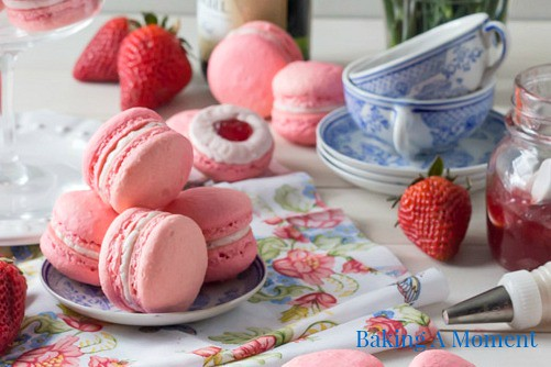 Macaroons - Baking A Moment