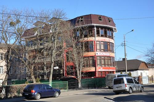Суд наказав зменшити висоту будівлі