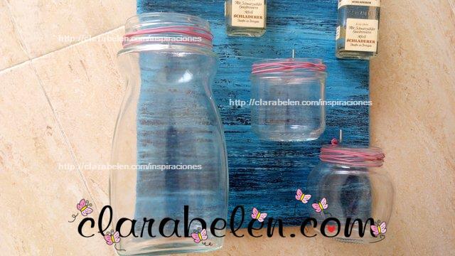 Como hacer un jarrón multiusos con botes de cristal y soporte de madera
