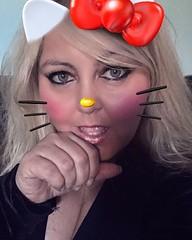 A little #snäpchat fun. #hellokity #meow