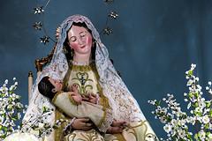 Virgen que acuna
