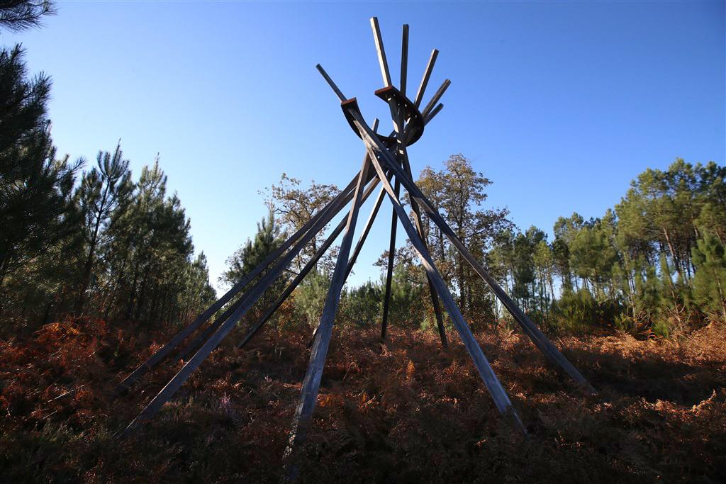 Forêt d'Art Contemporain : Cœur chaud bois d'Aquitaine à Arue