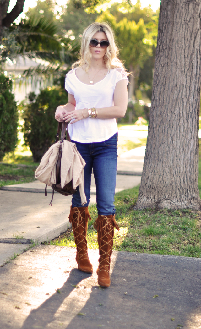 jeans- t shirt-suede Minnetonka Moccasin fringe boots