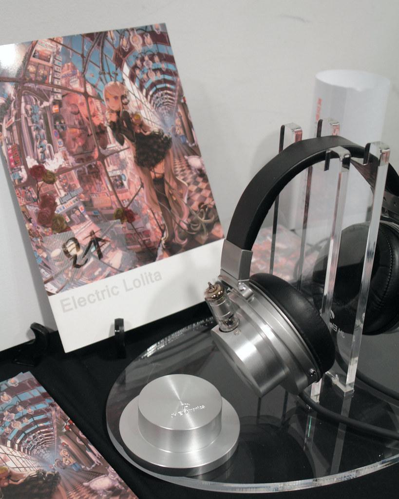"JohnHathway (JH Electronics) ""Magic Vacuum tube headphone"""