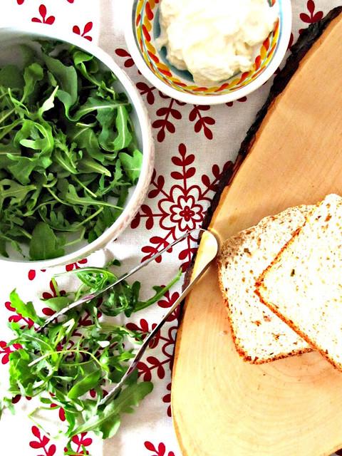 Pane di Farro con Asiago e Albicocche