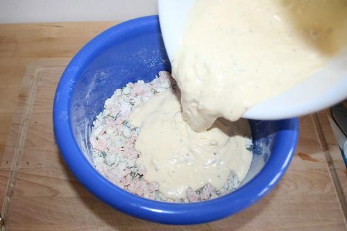 37 - Zur Mehl-Mischung hinzugeben / Add to other ingredients