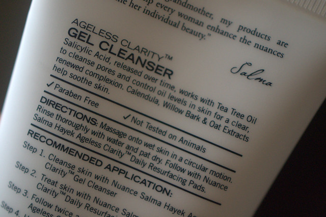 NUANCE Salma Hayek Gel Cleanser promises