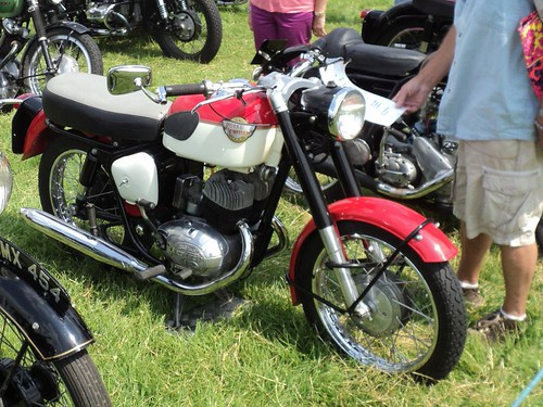 HS050 Royal Enfield