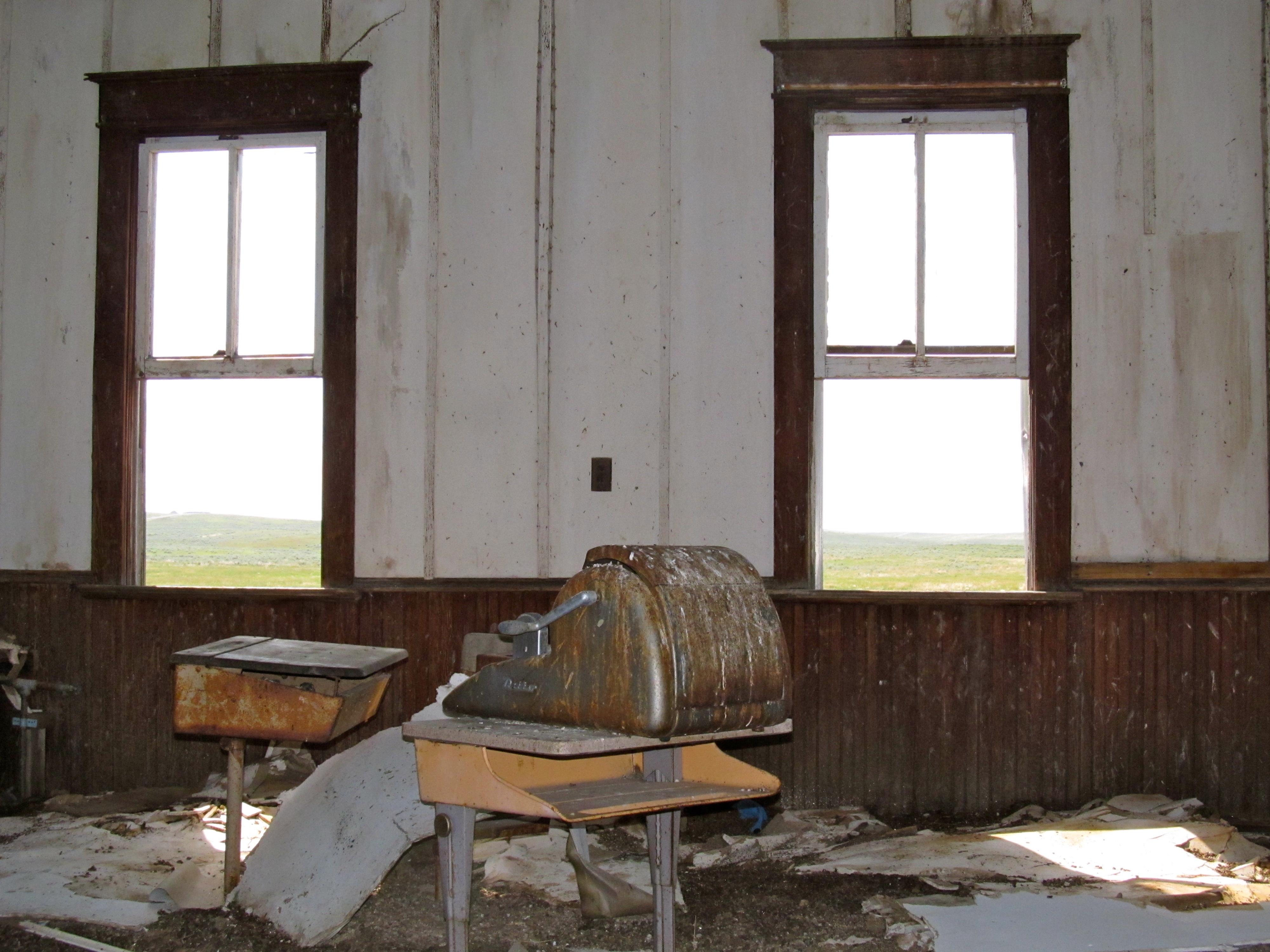 Montana big horn county wyola - School Montana Ruin Schools Dust Derelict Derelictbuildings Highway200 Abandonedschools Montanahistory Oneroomschools
