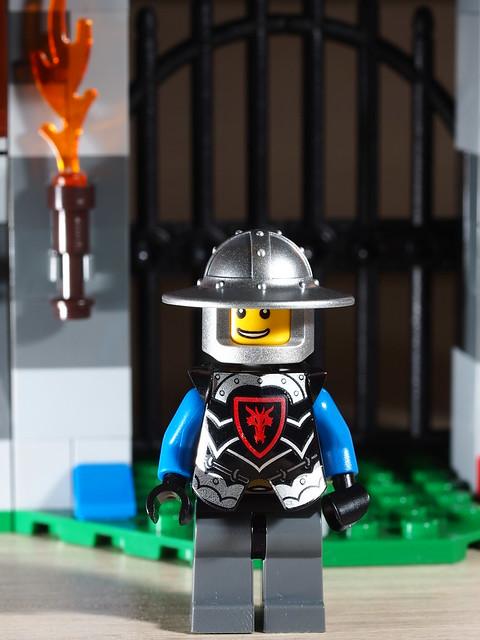 P9085170 LEGO 70402