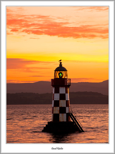 autumn urban lighthouse sunrise landscape scotland riverclyde portglasgow inverclyde coronationpark perchrock