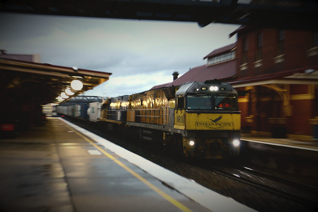 NR18 and NR32 on 2BM4 at Goulburn by Azza01