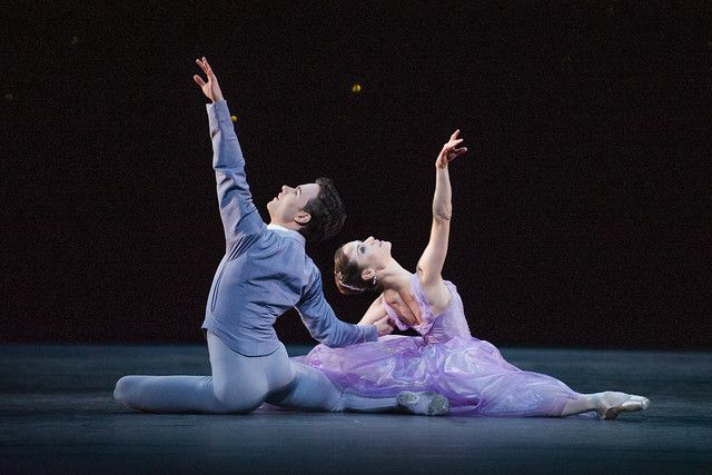 Alexander Campbell and Emma Maguire in In the Night, The Royal Ballet © ROH/Tristram Kenton, 2012