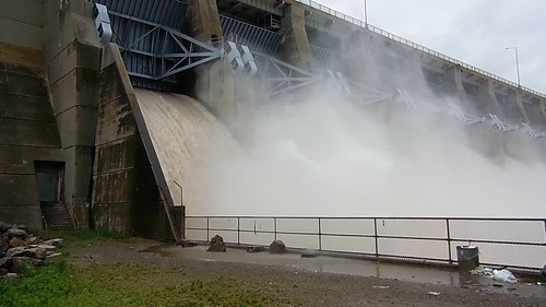 oklahoma river dam lakeeufaula floodwaters highway71 canadianriveroklahoma lakeeufauladam unitedstatesarmycorpsofengineersdams