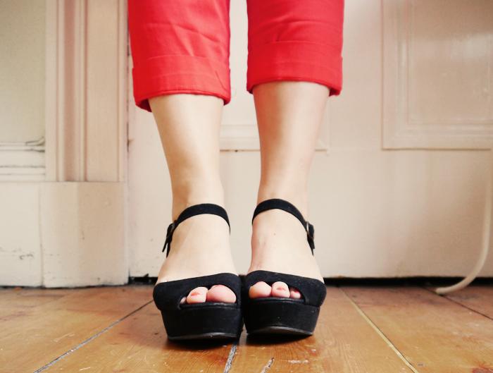 red capri pants 5