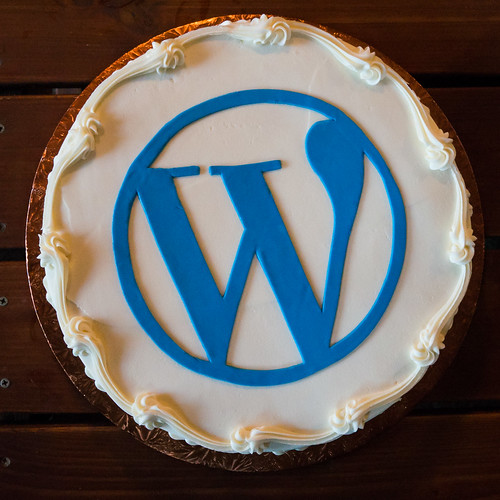 WordPress Logo Cake
