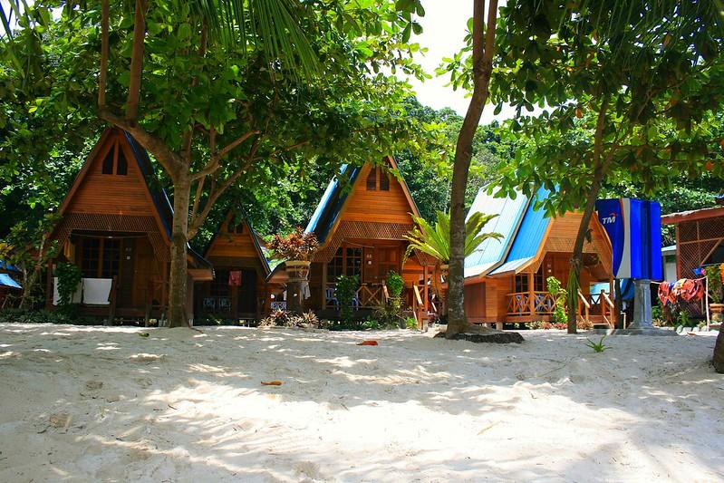 Cabañas en la playa, Langkawi, Malasia, ©evaespinet