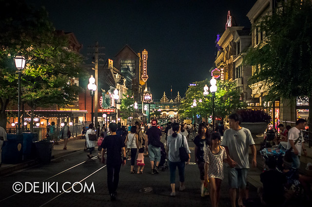 American Waterfront - Broadway at night