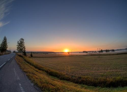 morning autumn sun mist field sunrise finland geotagged hdr syksy usva aurinko mäntsälä pelto aamu auringonnousu tonemapped tonemap 5exp handheldhdr