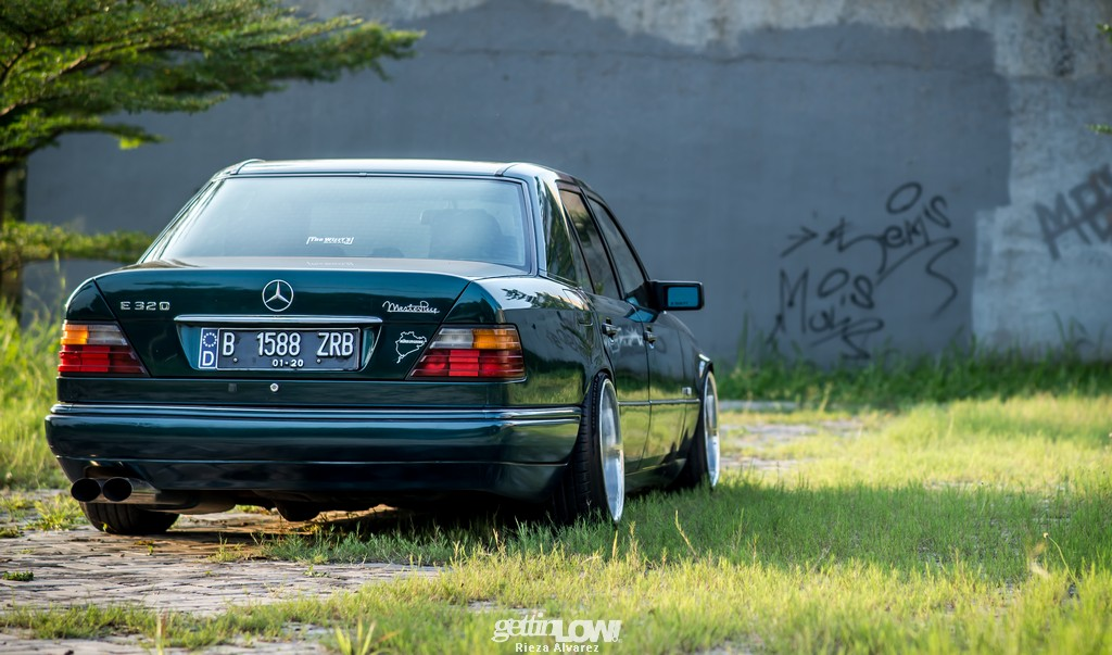 Mercy-W124-darkgreen_04