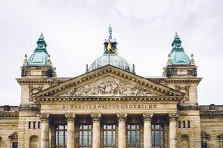 Afbeelding van Bundesverwaltungsgericht. architecture leipzig courthouse bundesverwaltungsgericht x100 kulkwitzersee vsco fujix100 vscofilm