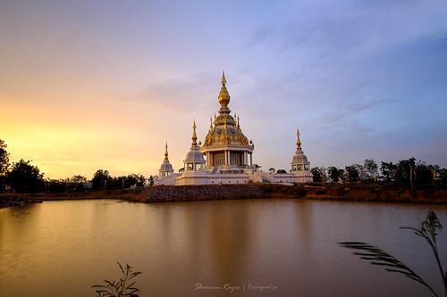 sunset water thailand asia southeastasia waterfront outdoor fujifilm wat xt1 thungsetthi