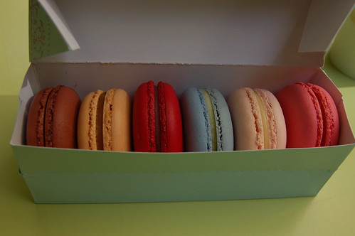 6 pack of perfect French macaroons