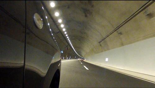 新東名高速のトンネル
