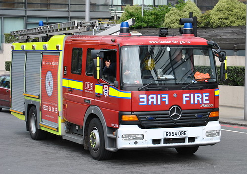London Fire Brigade / Mercedes Atego / Pumping Appliance / DPL1194 / RX54 OBE