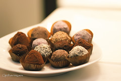 baking, chocolate truffle, chocolate balls, baked goods, food, dessert, chocolate, cuisine, praline,