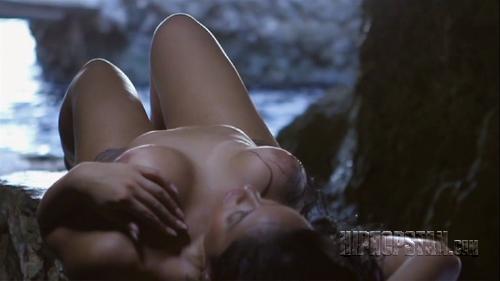 Stephanie-Santiago-nude-racy (5)