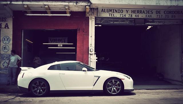 Nissan GT- R