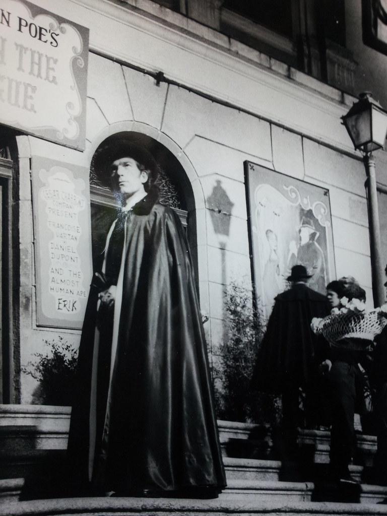 Ildebrando Rodríguez Rossetty (Brandy) caracterizado en el rodaje de Murders in the Rue Morgue en el Teatro de Rojas de Toledo el 27 de octubre de 1970. Cortesía de Lola Magano