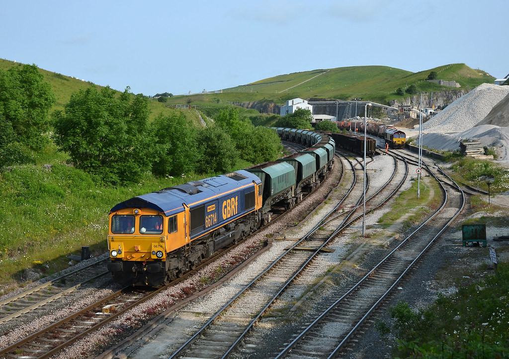 66714 6Z40 Brentford-Tunstead, Peak Forest 05.07.2013