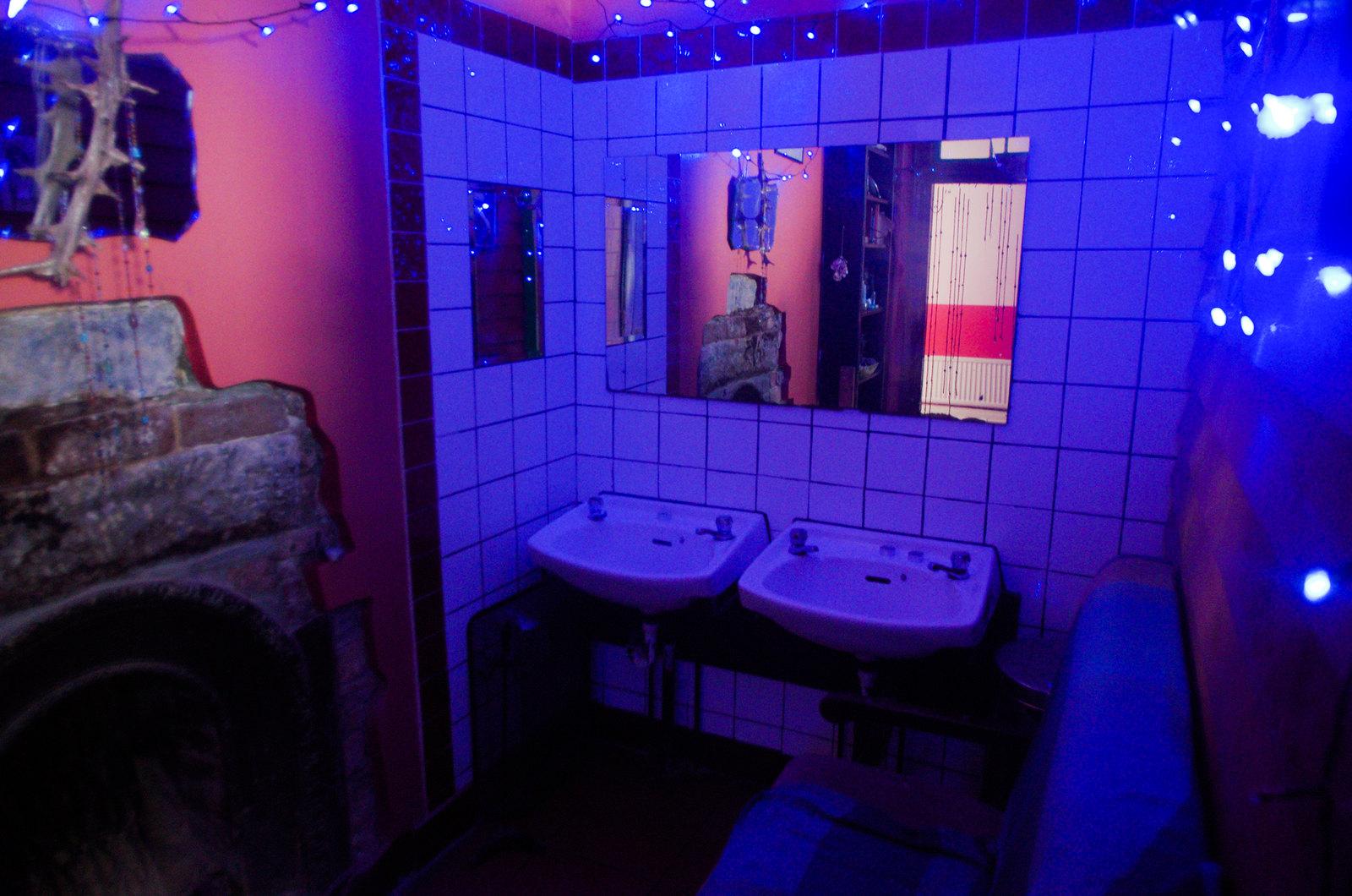 Guirlandes et lavabos