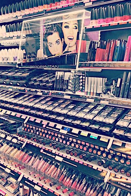 Manhatten Cosmetics @FashionBloggerCafé I StylebyCharlotte.com