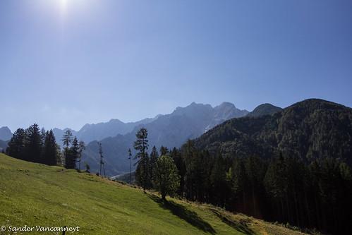 summer mountains alps hiking slovenia alpen slovenië kranj explorado slovenije grintovec zgornjejezersko kočna jezerskakočna makekovakočna
