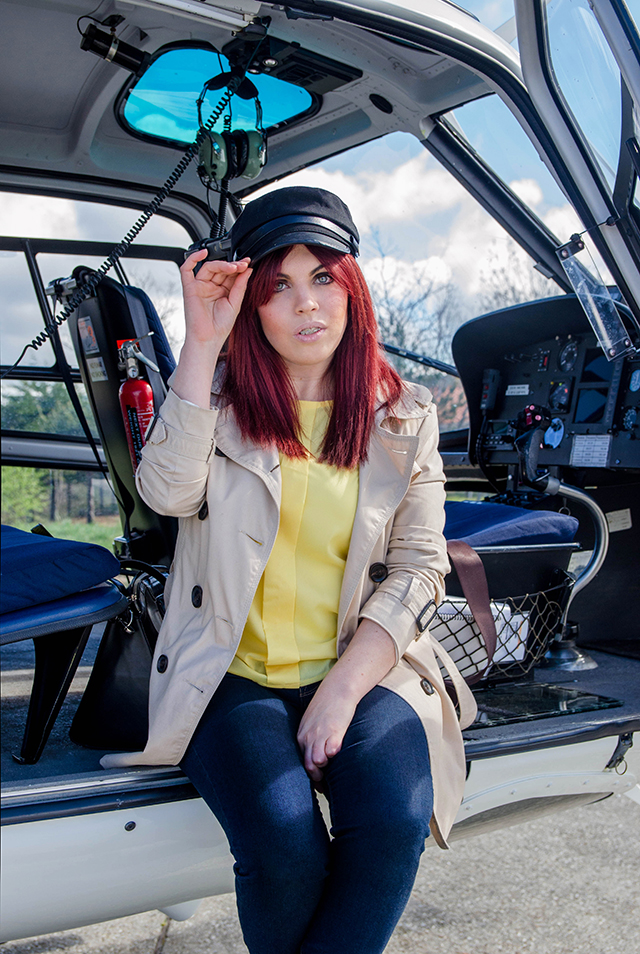 Look con gorra de piloto