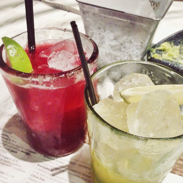 Midnight margaritas! (Yes that is a practical magic reference - and no I know it's not midnight!) #margaritas #wahaca #cocktails #guacamole #fdblogger #foodpic #instafood