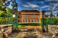 Chateau de Denonville  entrée grille -28- HDR