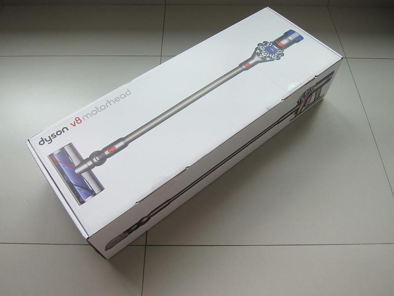Dyson V8 - Box