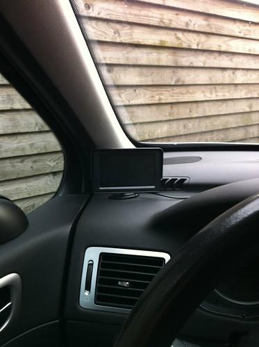 Display in de auto gemaakt oa. voor achteruitrijcamera