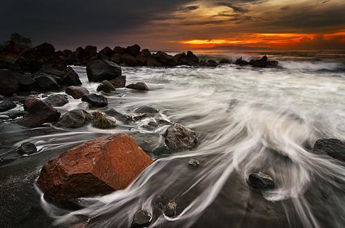 sea bali white seascape motion water rain rock sunrise hair indonesia nikon day hard wave tokina filter lee nd f28 graduated gnd 1116mm ketewel manyar d7000