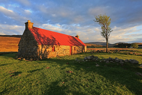 Old Croachy Crofthouse. by Gordie Broon.