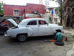 gaz-21(0.0), saab 96(0.0), automobile(1.0), automotive exterior(1.0), vehicle(1.0), mid-size car(1.0), hindustan ambassador(1.0), compact car(1.0), antique car(1.0), sedan(1.0), classic car(1.0), vintage car(1.0), land vehicle(1.0), luxury vehicle(1.0),