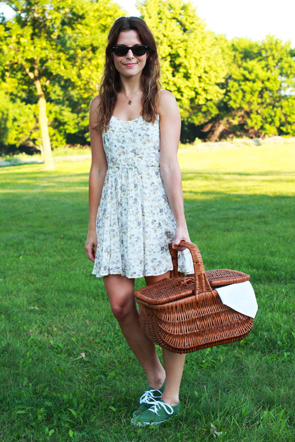 Picnic in the Park | Perpetually Chic