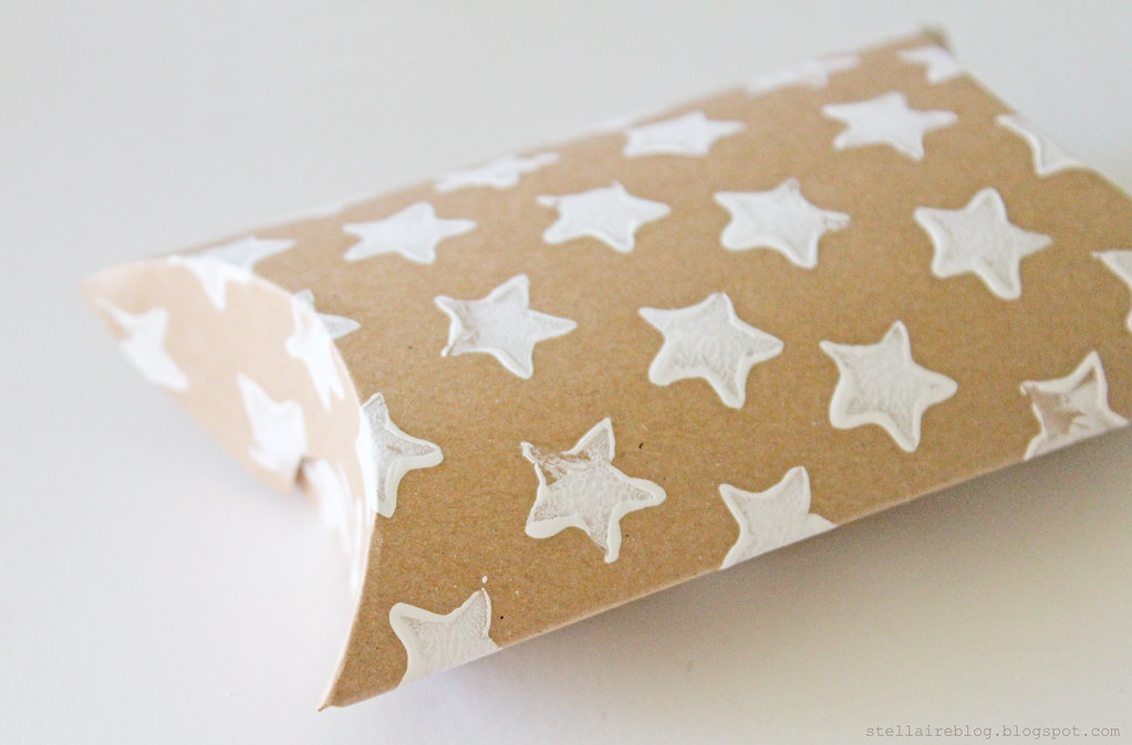 star pillow box