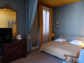 Habitación del Hotel de France en Auch (Gers, Francia)