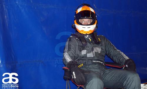 Jean-Louis Dauger a la espera del volante del Renault Clio