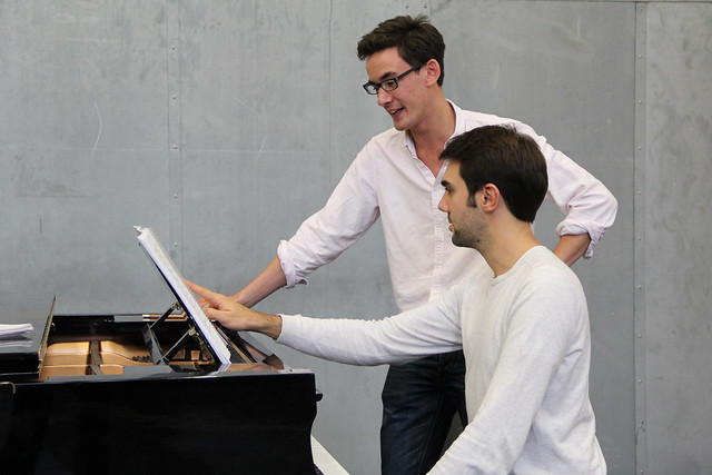 Conductor Paul Wingfield and Repetiteur Jean-Paul Pruna in rehearsals for El gato con botas © ROH / Ruairi Watson 2013